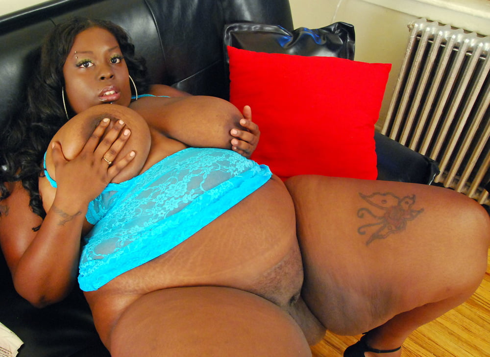 Black mama naked — photo 12
