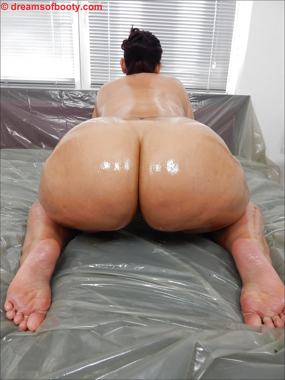 pawg oiled