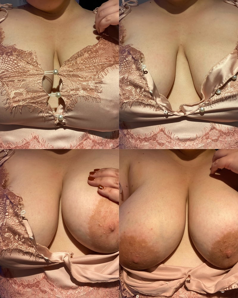 Big-titted stretchmarked beauty - 35 Pics