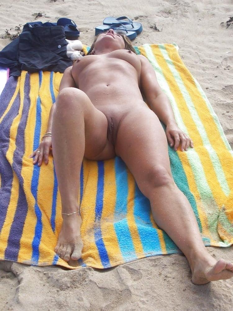 Sexy Video Nude Breasts Beach Jpg