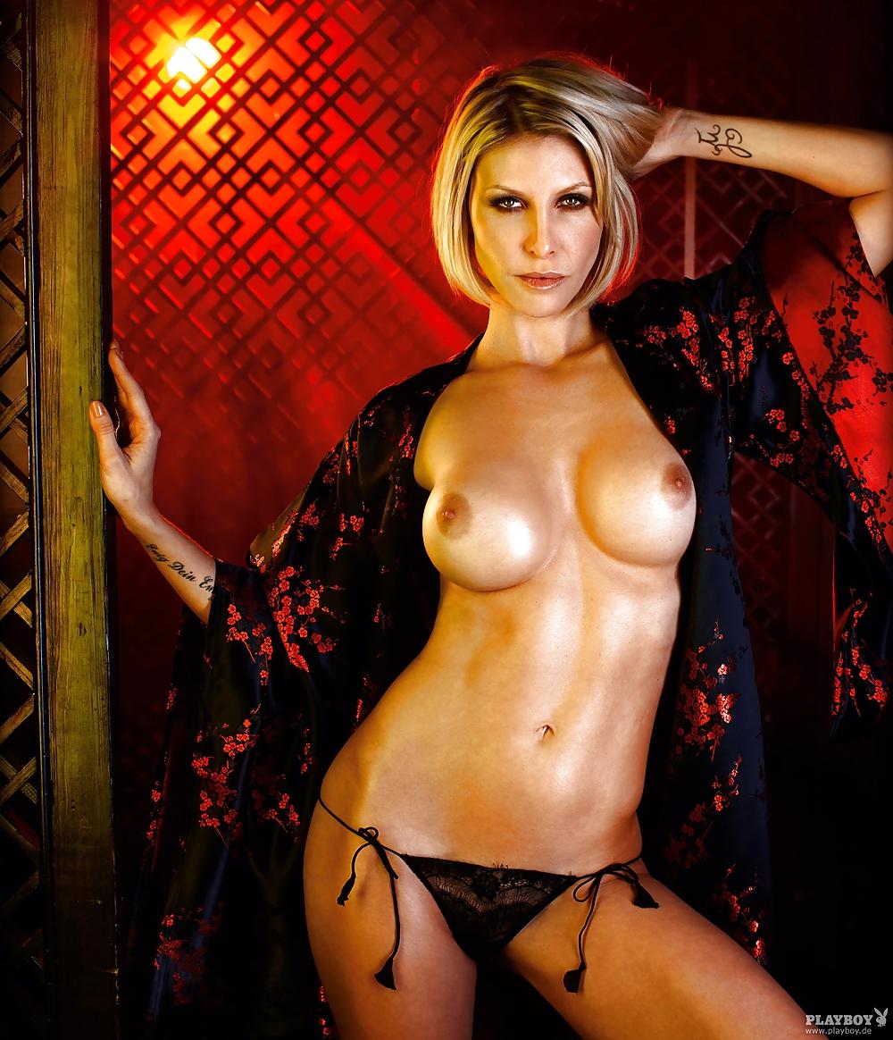 Kathie von due nackt