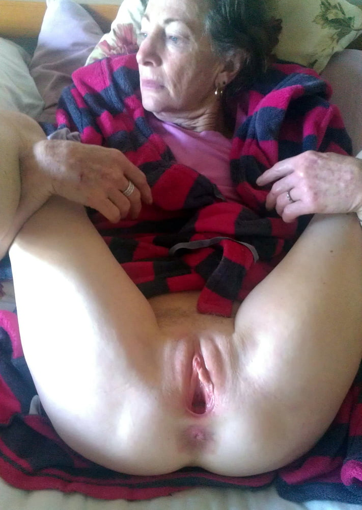 Girls with big ass twerking naked