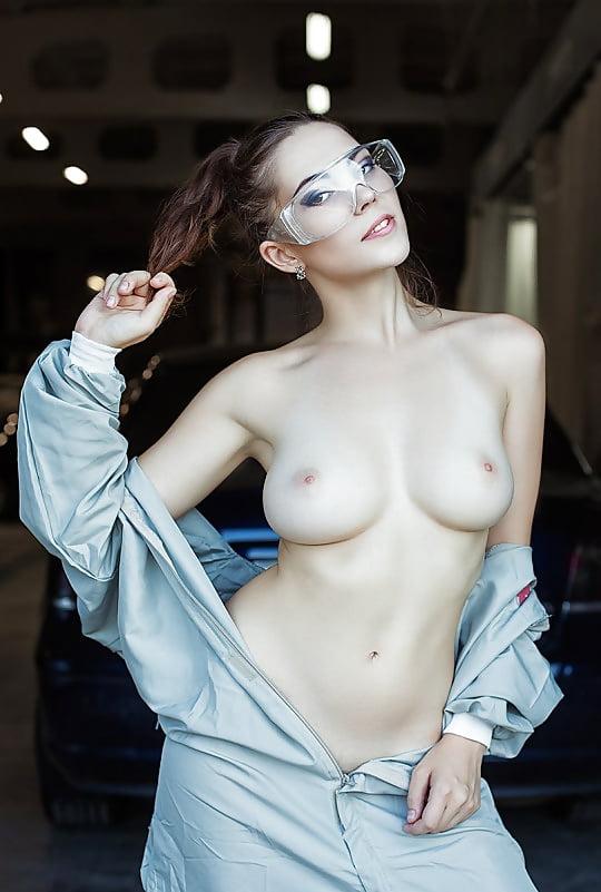 lyubashka-pavlenko-ero-foto-klassnoe-porno-rakom-smotret-onlayn
