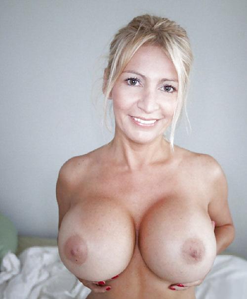 Big Boobs Mom Porn