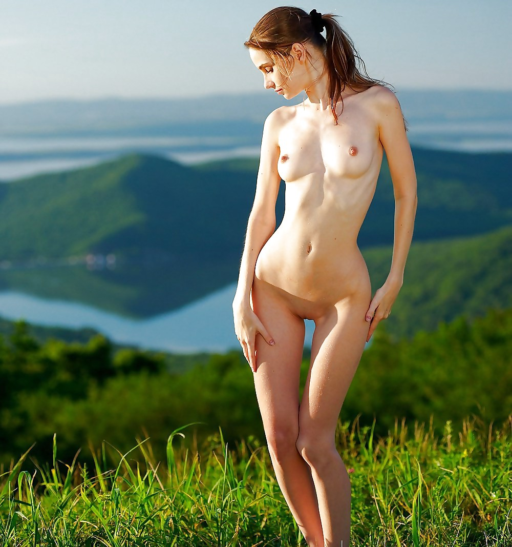 Dasha Anya Model