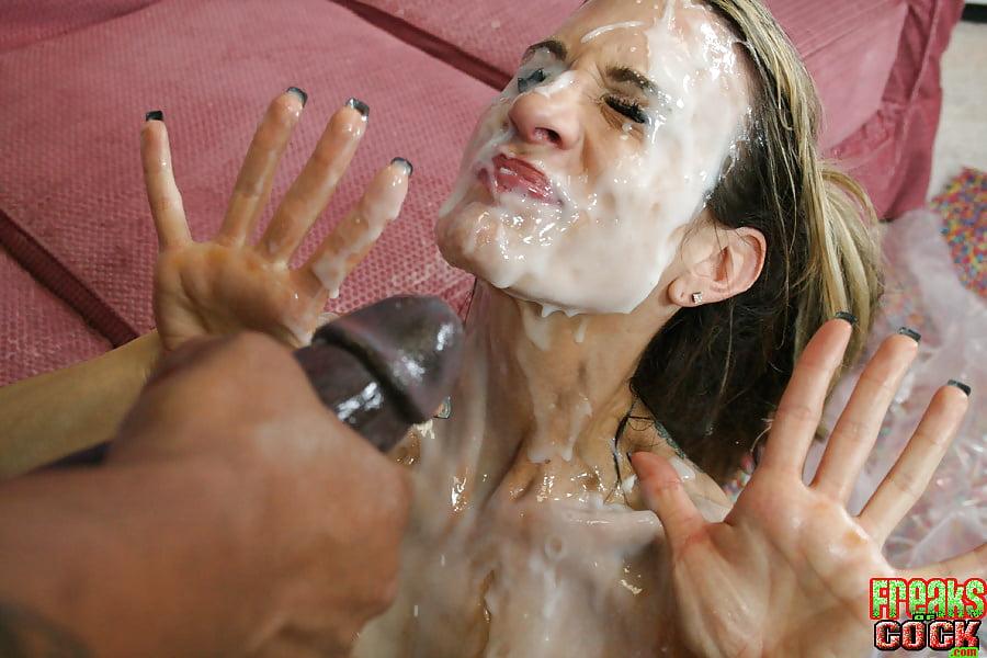 Видео купание в сперме