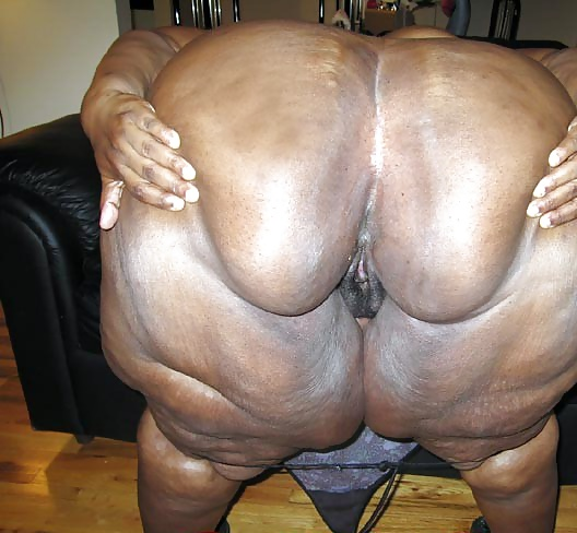 Black female masseuse white naked client