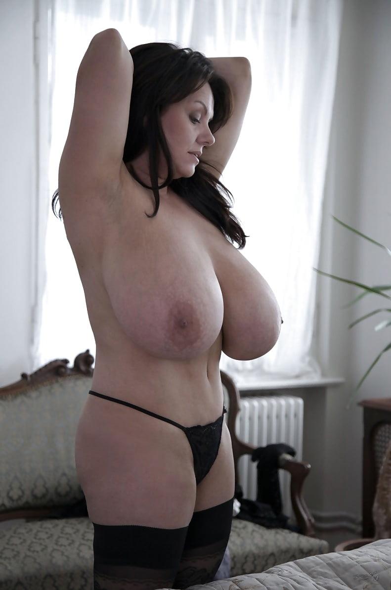 milena-velba-huge-tits-naked