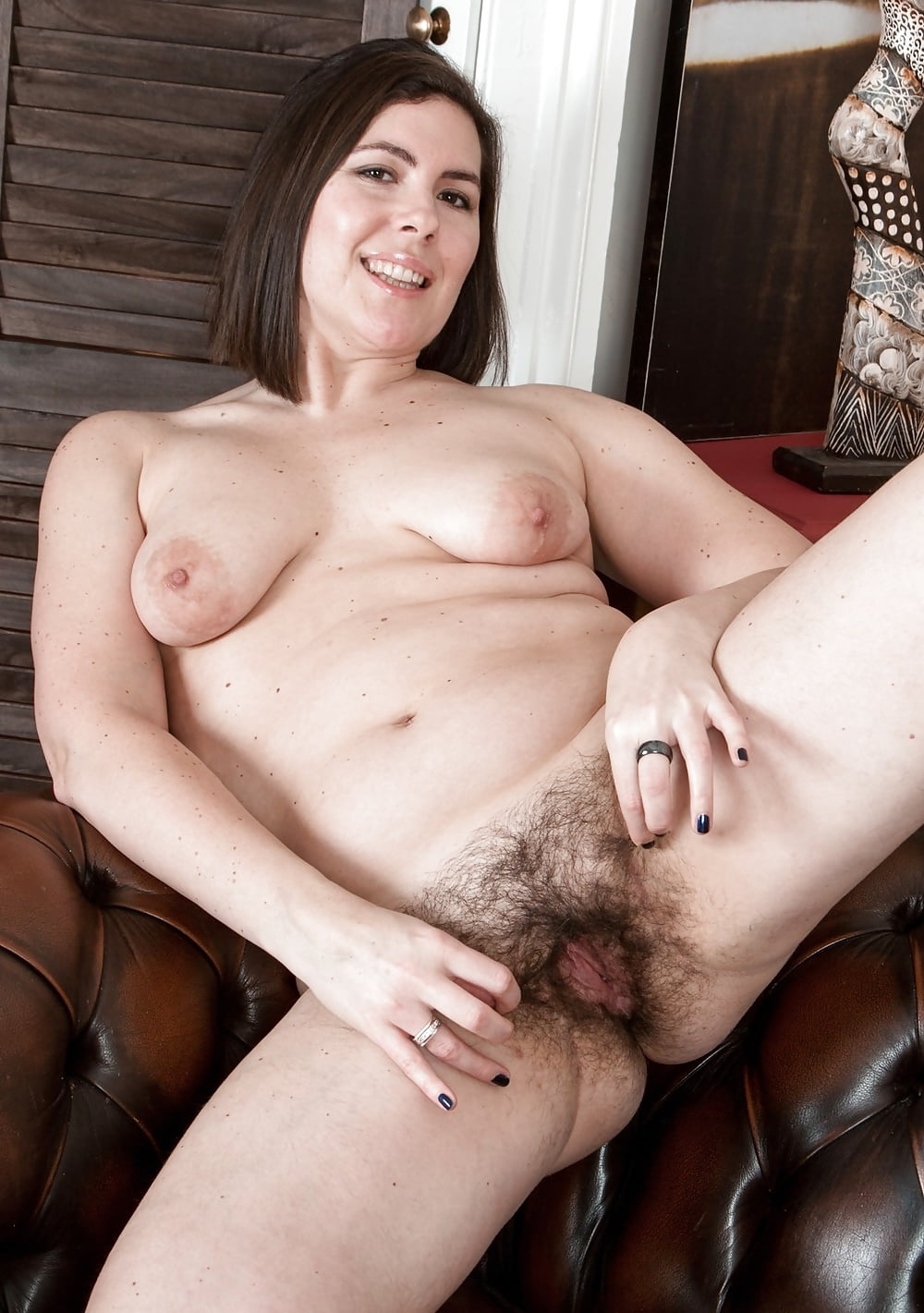 mature-shows-hairy-beaver-the-making-of-american-pie-naked-mile