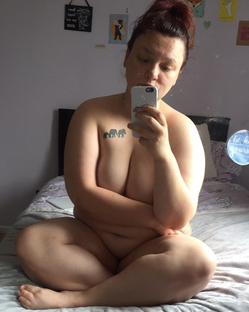 Unknown Women (002) BBW How is nude in her bed - 15 Pics
