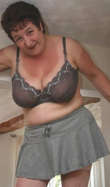 British mature women in stockings-7006