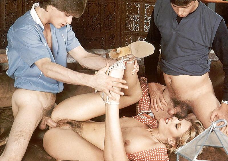 Групповое ретро порно трахнули чужую жену 3