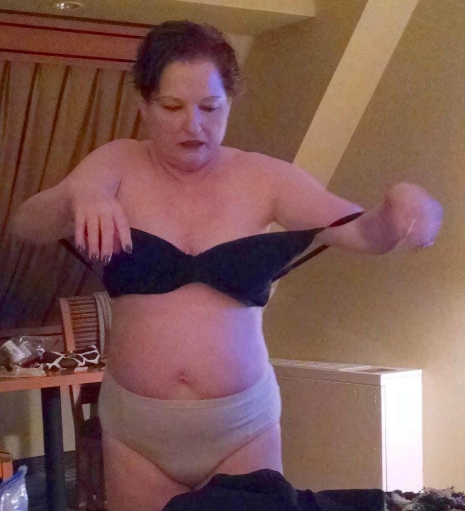 Chubby mature wife undressing voyeur - 193 Pics