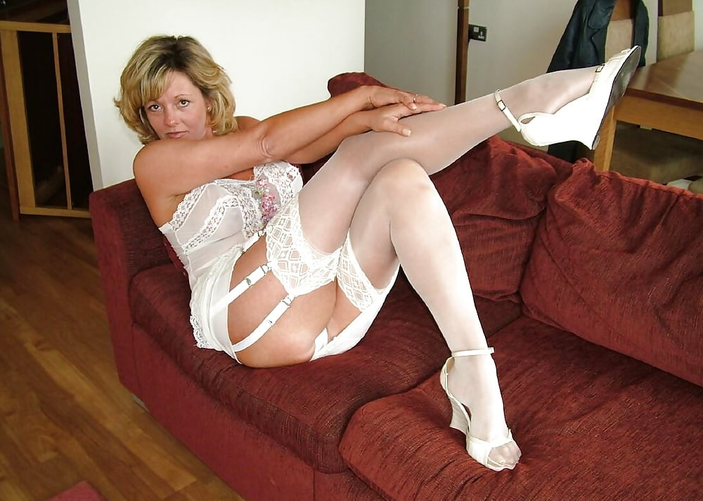 wives-topless-mom-in-white-stockings-porn-boys