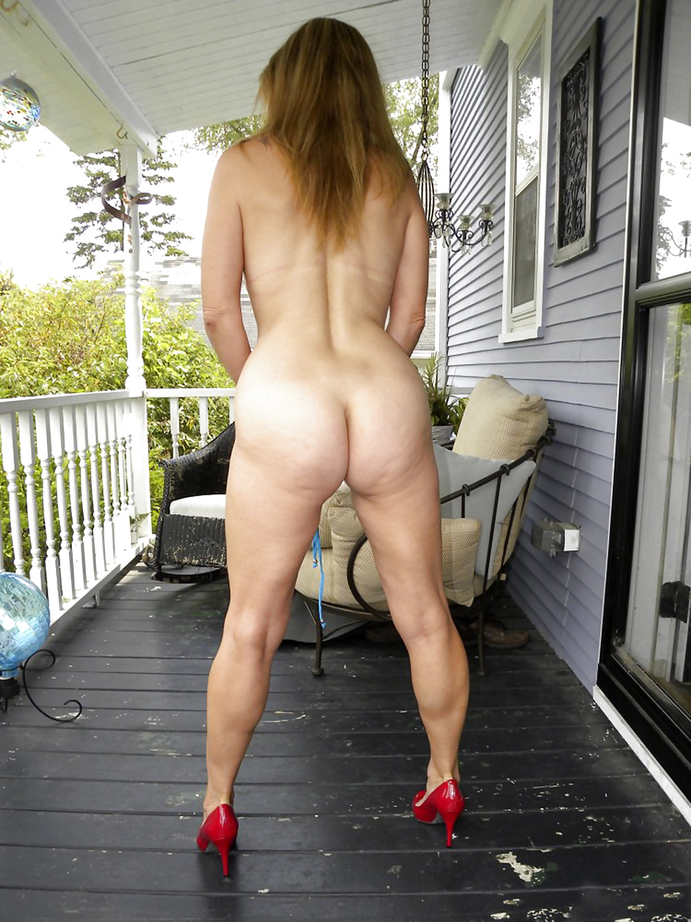 Mom ass behind nude — img 8