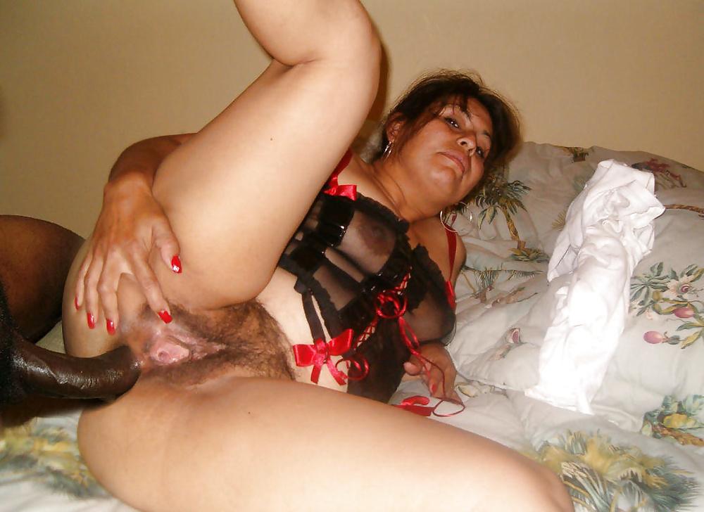 Большой замужняя женщина ищет анальный секс