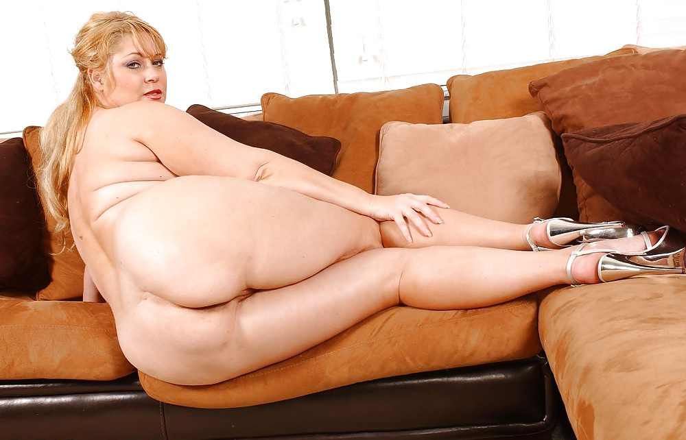 Sam springs on her back porn pic
