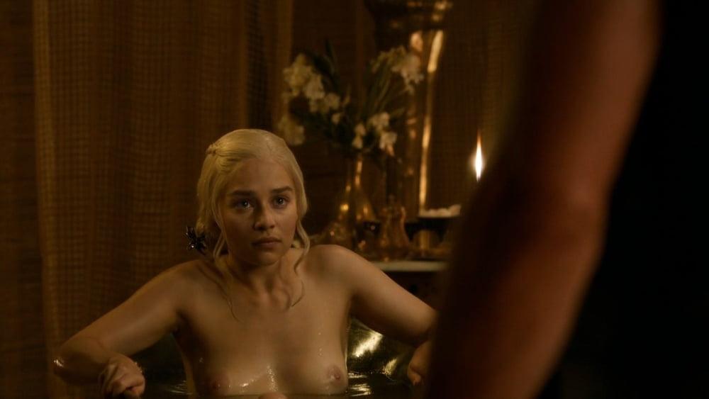 Celebs I'd Fuck: Emilia Clarke! - 30 Pics