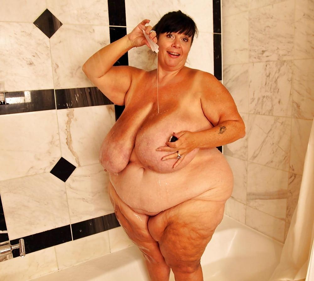 Asian ssbbw in bath nude moled your