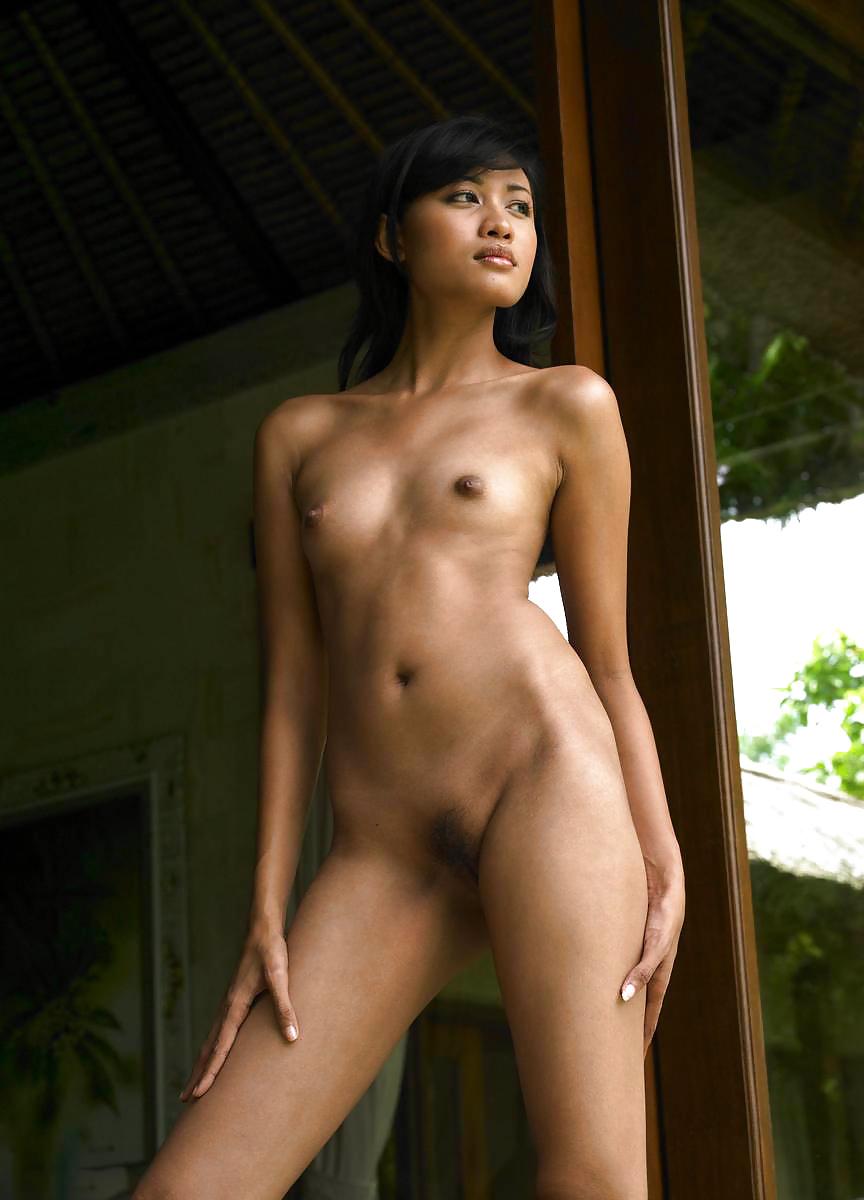 bali-nude-girl