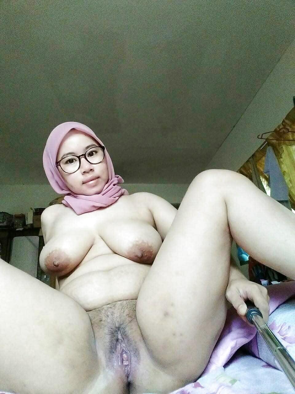 hijab-malaysian-naked