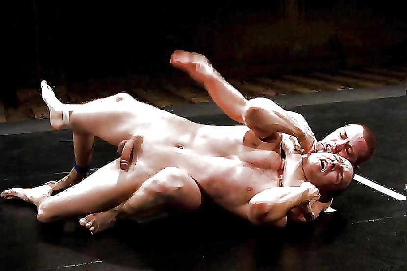 Бои обнаженных атлетов секс анорексичкой видео