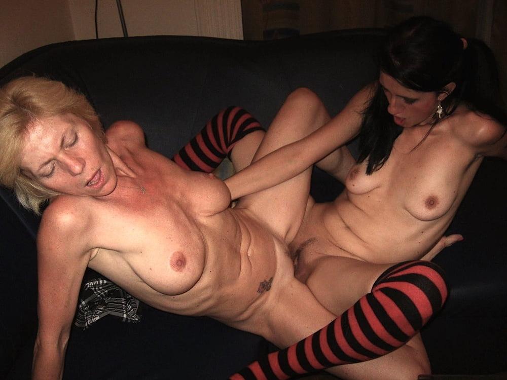 Lesbians 016 - 99 Pics