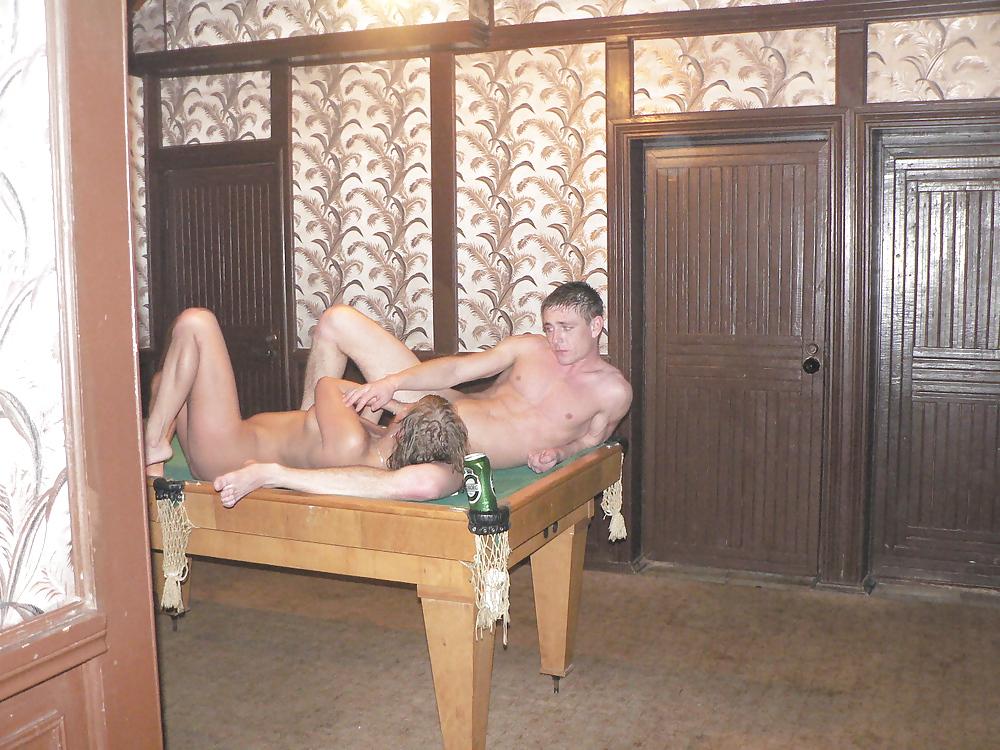 Ящиками в бане с любовником друга