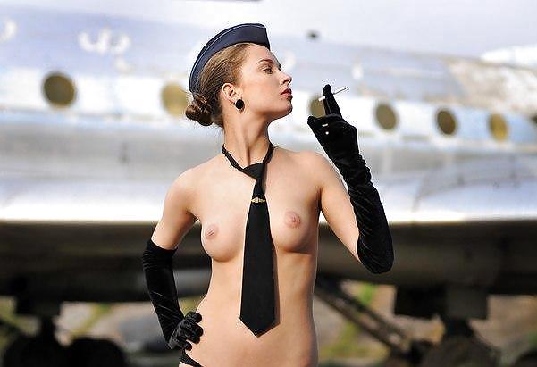Супер эро видео стюардессы разделись наголо во время полета русских