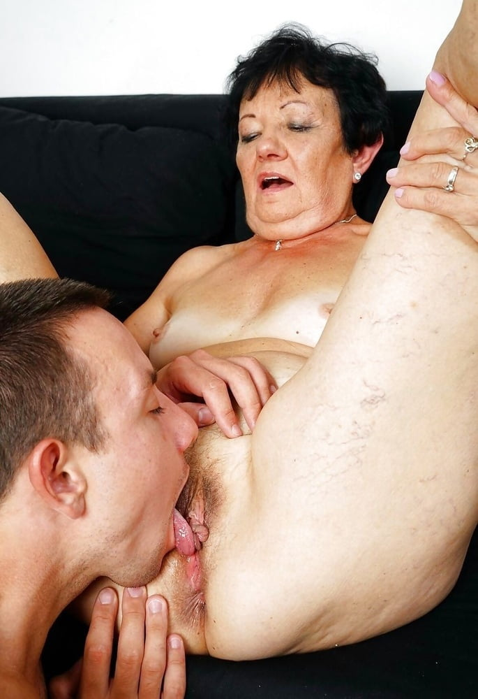 Old Granny Pussy Eating