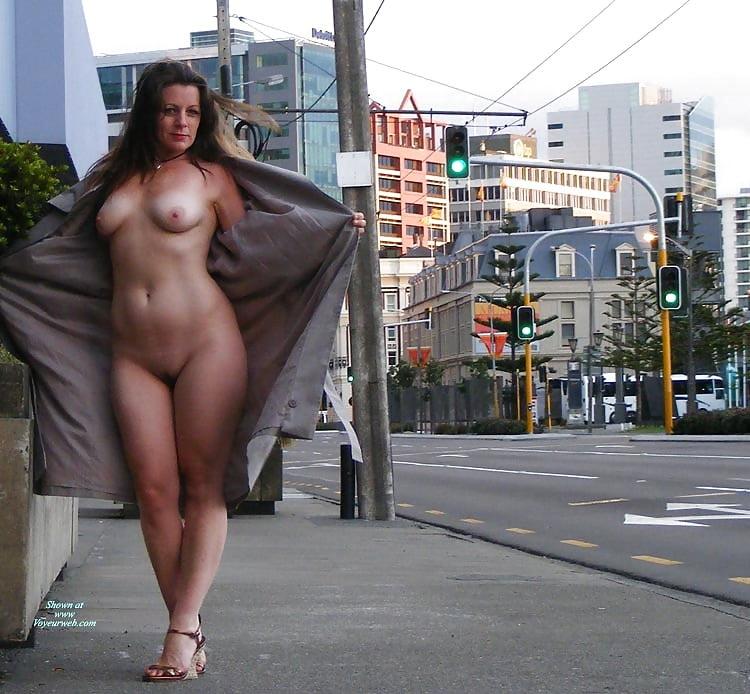 Naked sexy mature women nude public pics girls