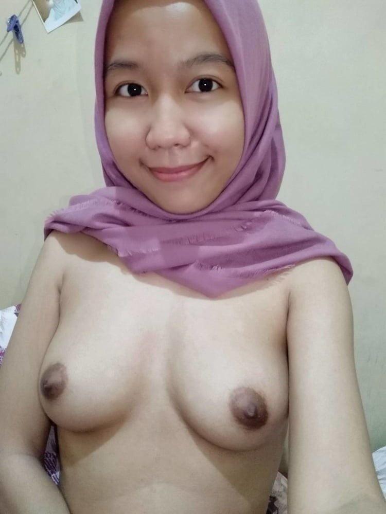 Hijab Malay girls - 10 Pics