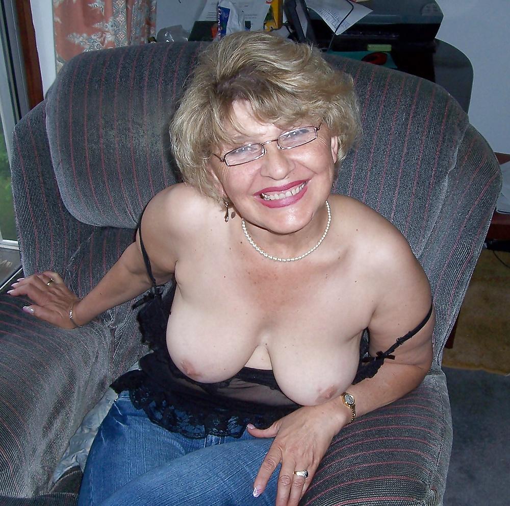 Busty grannies photos — photo 10