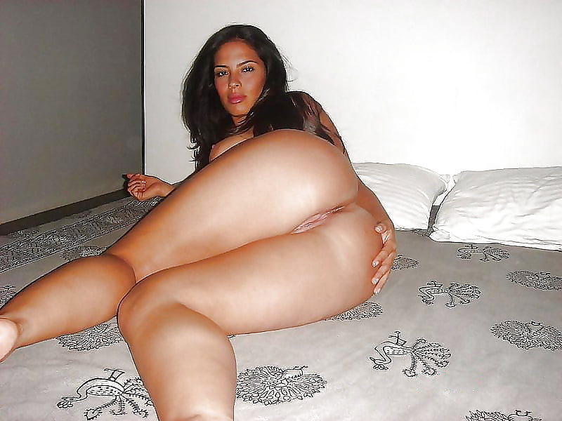 Latin womans naked showing her ass dvas