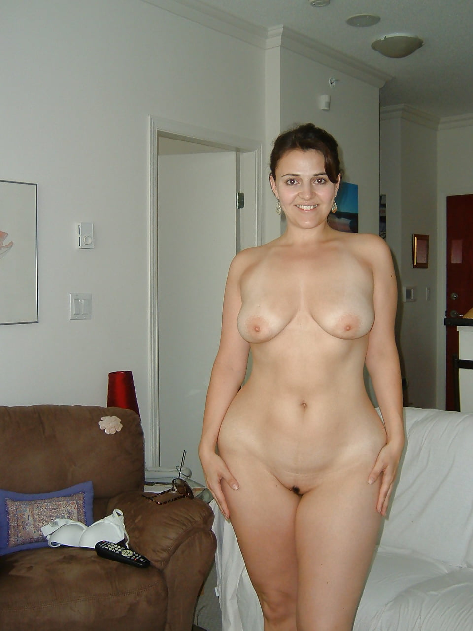 Free pictures of a naked wife #9