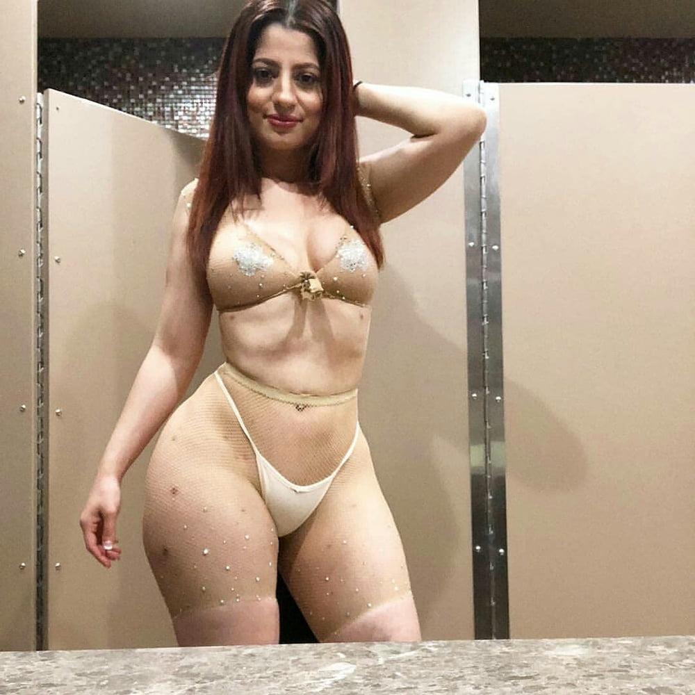 nadia ali tour of booty