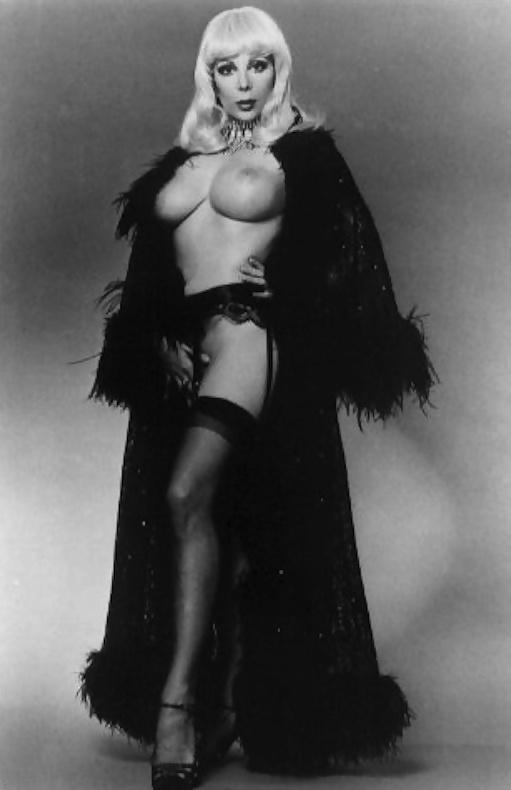 strip-nude-photos-of-angelique-pettyjohn-butt-crack-young