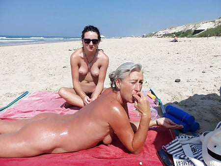 Topless Plage