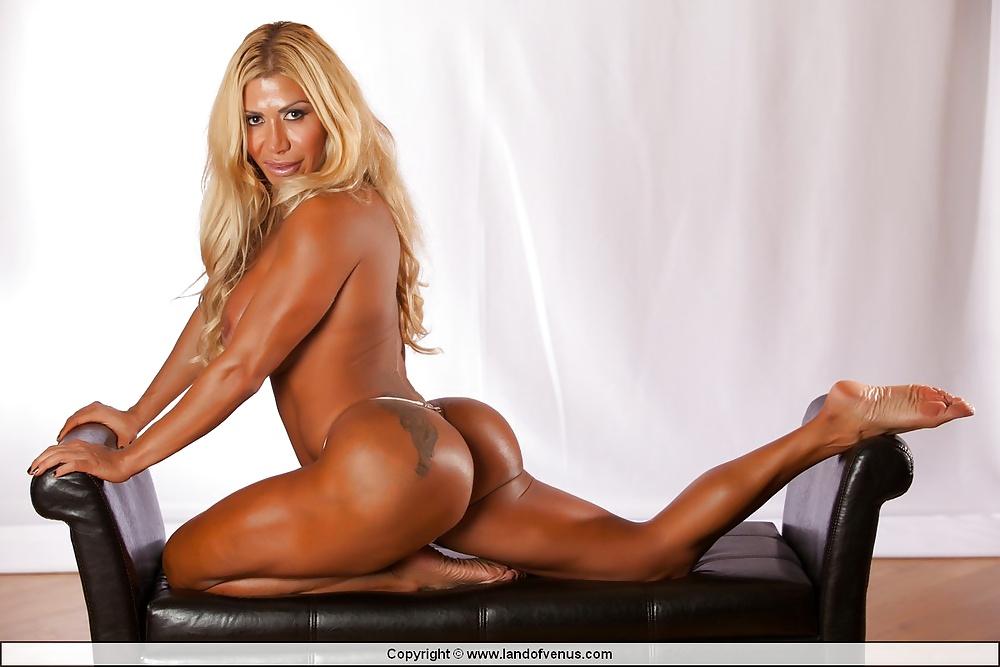 crisos bodybuilder nude Flavia