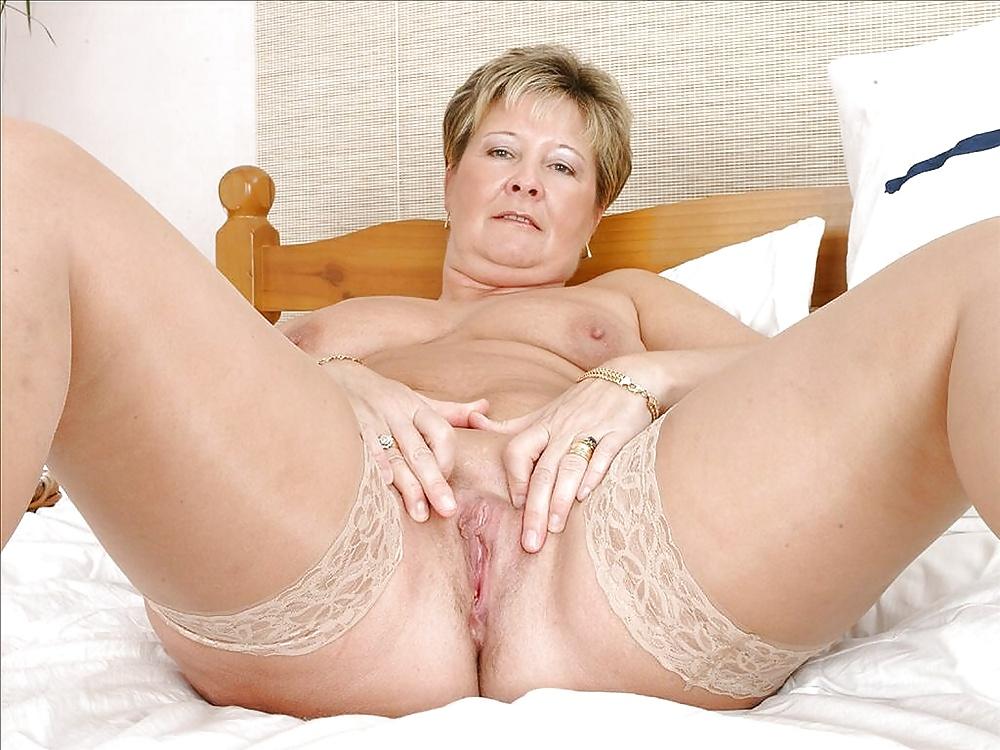 Granny milf pics, nude milfs sex xxx photos