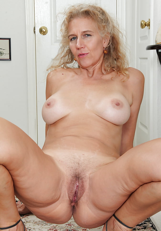 Nude hispanics mature — 2