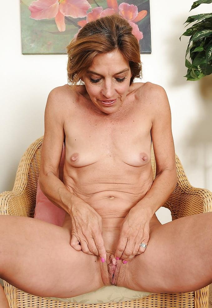 порно фото пизда клитор зрелых женщин - 4