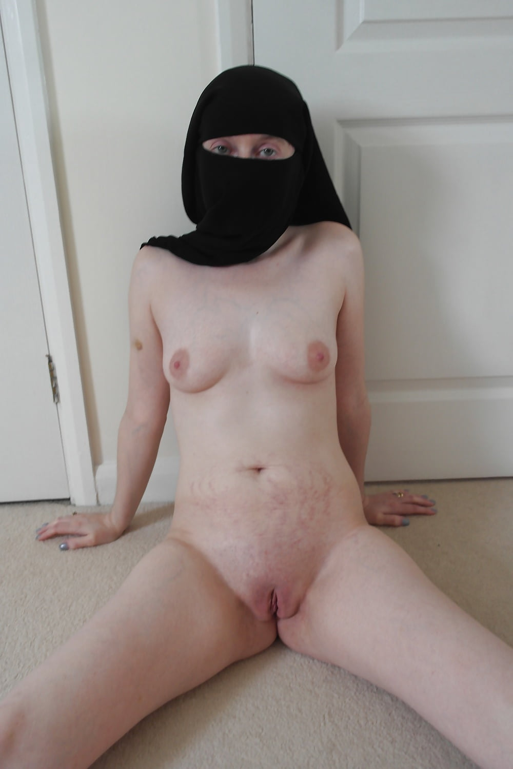 Niqab naked — photo 10