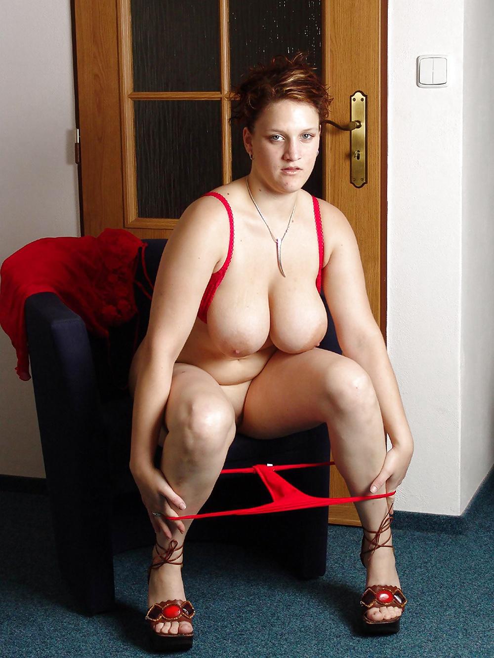 top-heavy-moms-nude