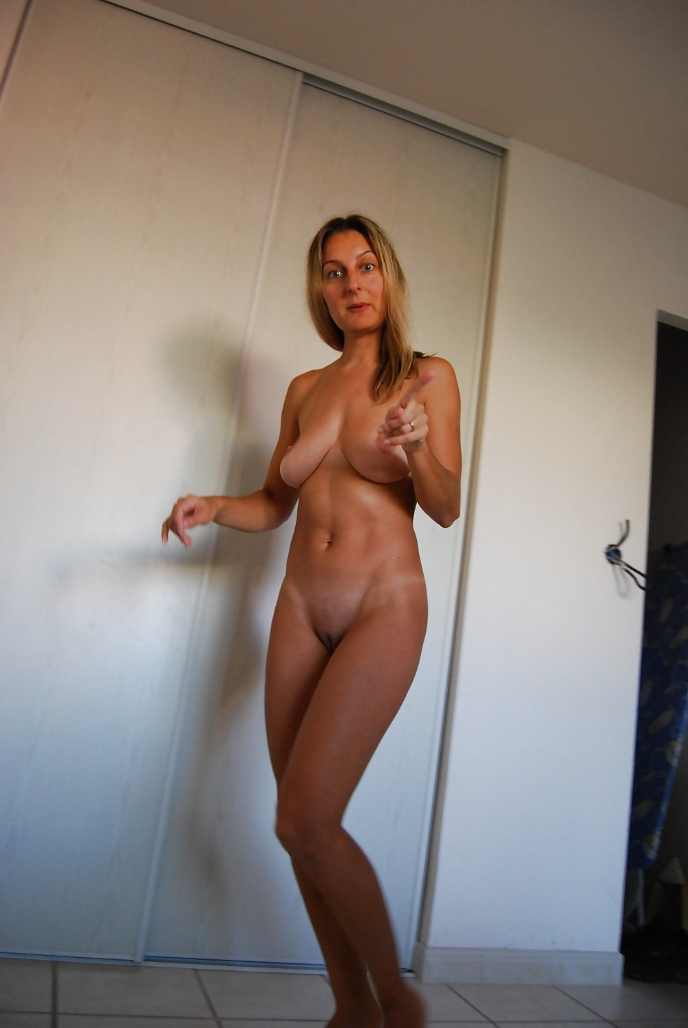 Hot nude blonde photos