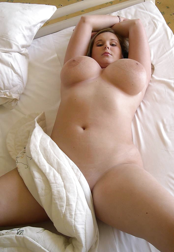chubby-girls-naked-in-bed-sleeping-nipple-slips