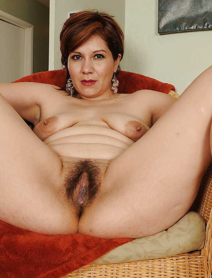 hairy-empire-mature-women