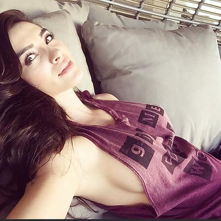Andreea Cristina Nude