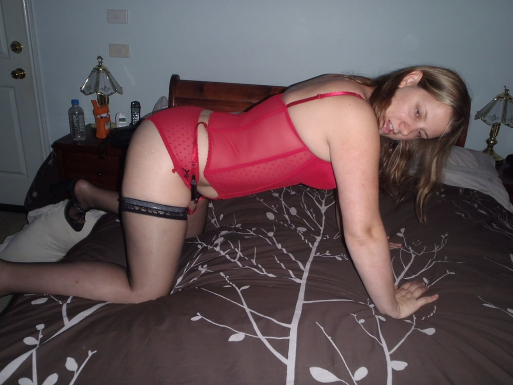 Unaware slut wife Leanne- 10 Pics