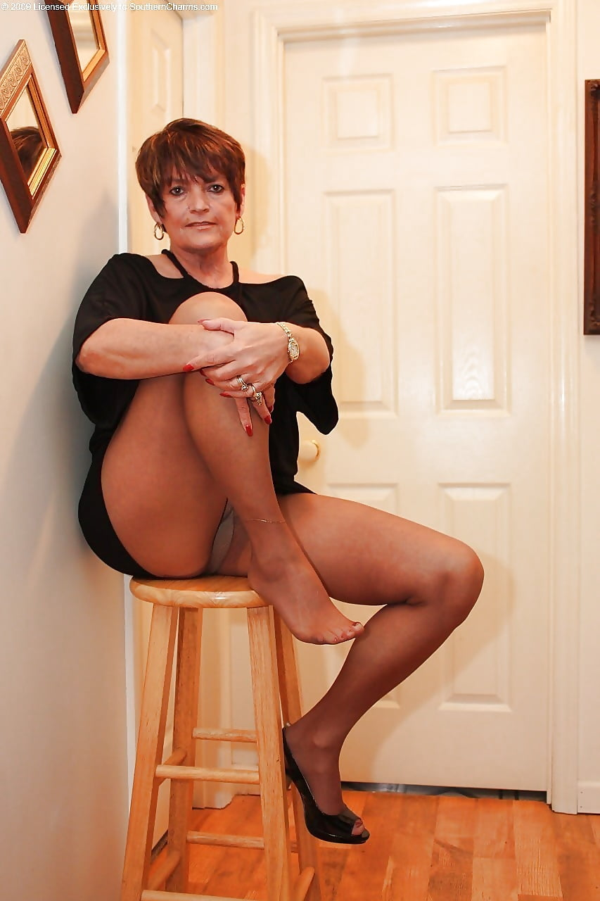Naked ladies in pantyhose, sexy mature pictures, women porn gallery